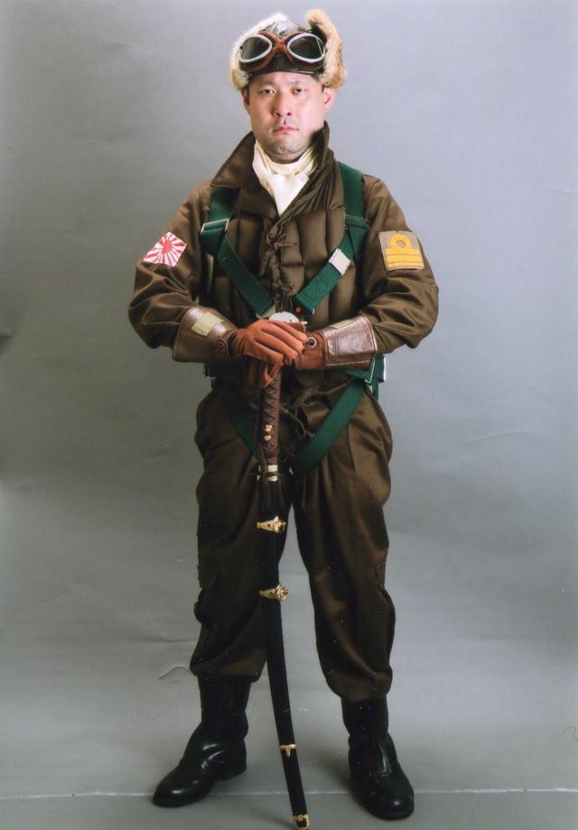 lieutenantcommander001.jpg